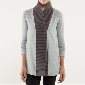 Lululemon bliss break wrap light gray